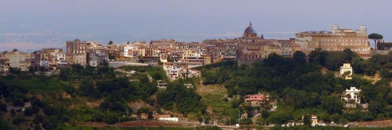 Castel Gandolfo Limousine Uara