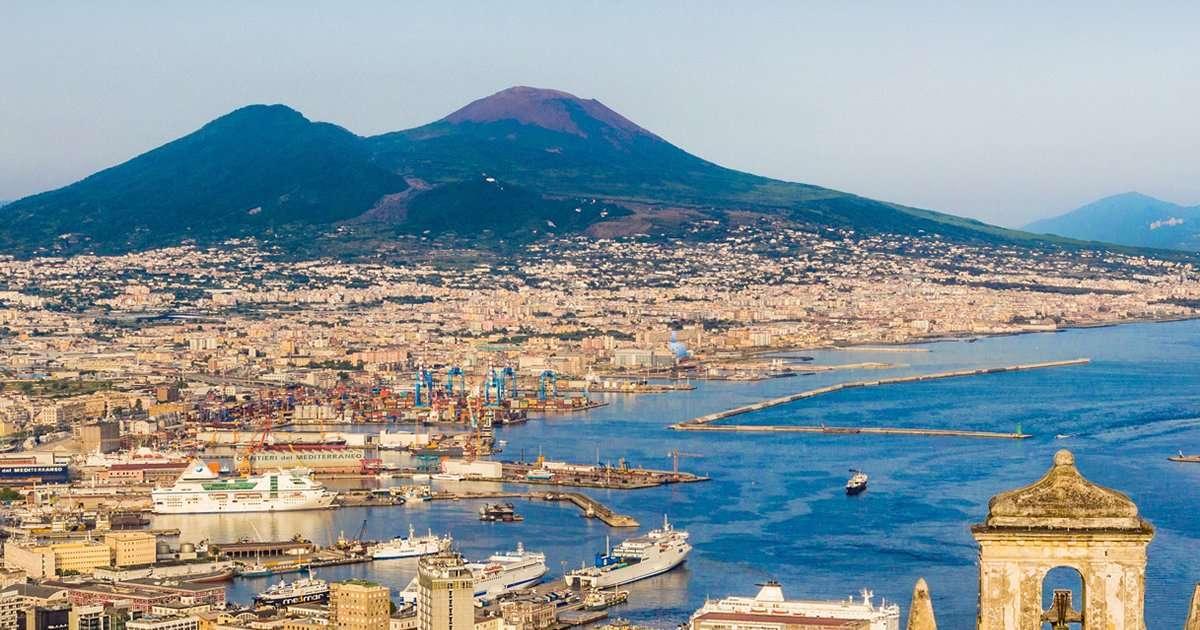 Tour a Napoli: il Golfo di Napoli e il Vesuvio